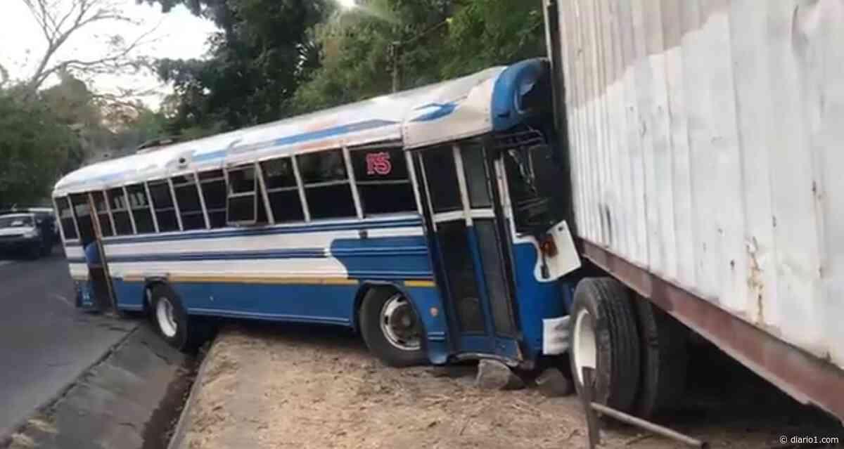 VIDEO   Accidente de tránsito deja lesionados sobre desvío de Apulo - diario1.com