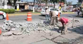 Reparan baches y mejoran luminarias en el bulevar Adolfo Ruiz Cortines - La Opinión