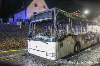 Linienbus in Waldbronn komplett ausgebrannt - die neue welle