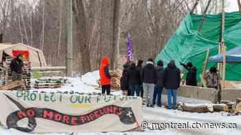 Exo's Candiac line still down after Kahnawake blockade relocates - CTV News
