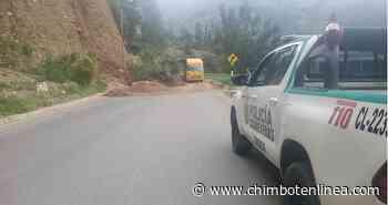 Derrumbe restringe el tránsito vehicular en la carretera a Carhuaz-Chacas en Áncash - Diario Digital Chimbote en Línea