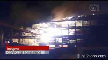 Incêndio destrói barracões de olaria, em Guamiranga; VÍDEO - G1