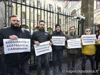 Quindicenne ucciso, flash mob alla caserma Pastrengo: c'è anche il padre di Ugo Russo - La Repubblica