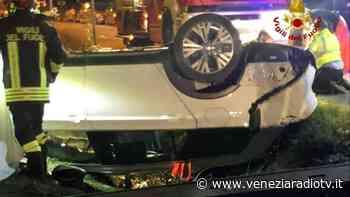 Cinto Caomaggiore: auto finisce nel fossato, un morto | Televenezia - Televenezia