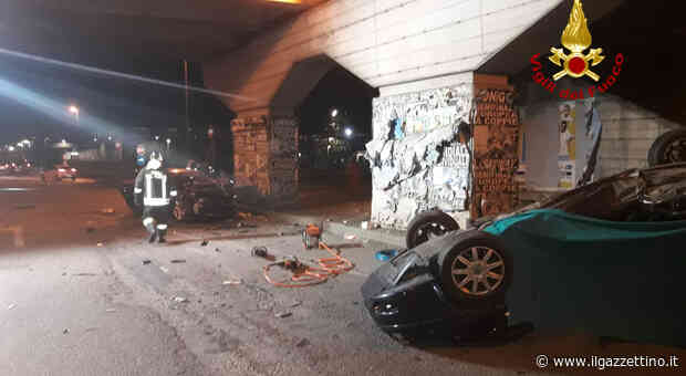 Impatto tremendo tra auto sotto il cavalcavia a Montebello Vicentino: morta una donna, quattro feriti Foto - Il Gazzettino