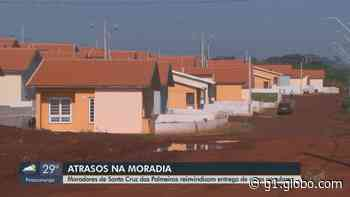Moradores de Santa Cruz das Palmeiras reivindicam entrega de casas populares da CDHU - G1