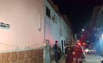 Dupla armada invade mercadinho e mata homem a tiros no Bairro Serrinha, em Fortaleza - G1