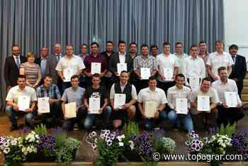 Agrarservice-Absolventen in Triesdorf verabschiedet - top agrar online