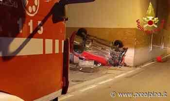 Cassano Magnago: auto finisce contro un muro - La Prealpina