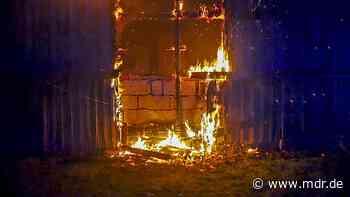 150.000 Euro Schaden nach Scheunenbrand in Olbernhau   MDR.DE - MDR