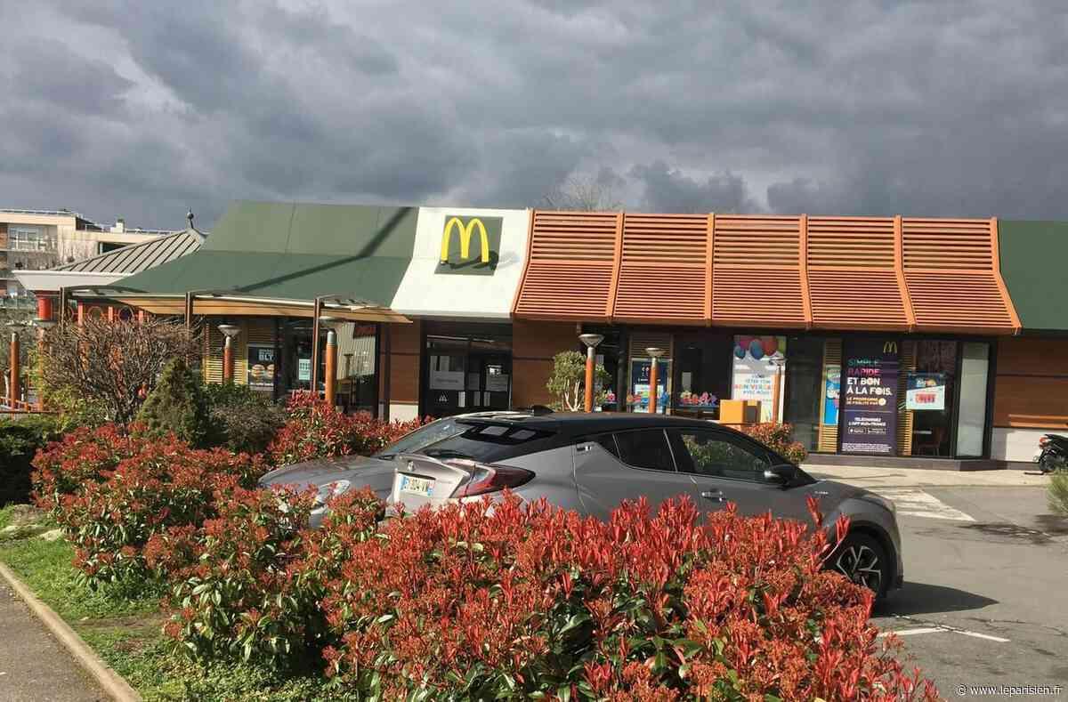 Dans ce McDonald's de l'Essonne, une bande d'adolescents fait la loi - Le Parisien