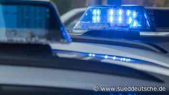 Flucht vor Polizeikontrolle endet im Graben - Süddeutsche Zeitung