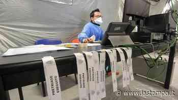 """Coronavirus, guariti i pazienti di Borgo Ticino: """"I medici ci hanno rassicurato ma non è stata una passeggiata"""" - La Stampa - La Stampa"""
