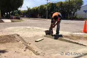 Municipalidad construye más rampas de acceso en las esquinas del Bv. Sargento Cabral - SL24