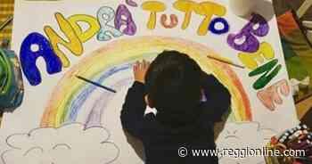 Coronavirus, per le strade di Reggiolo i disegni dei bambini. FOTO - Reggionline
