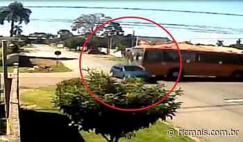 Motorista que sofreu acidente no bairro Cajuru morre no hospital - RIC Mais