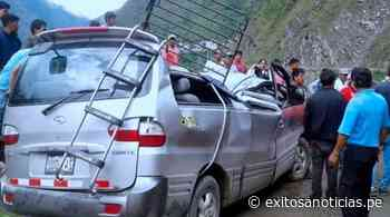 Áncash: Roca cae sobre miniván y deja 11 heridos en Huarmey - exitosanoticias