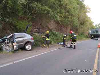 Mulher morre em acidente na ERS 446 em Carlos Barbosa | Rádio Studio 87.7 FM - Rádio Studio 87.7 FM