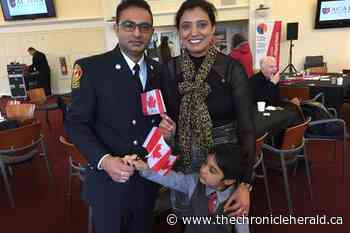 Trudeau makes surprise appearance at citizenship ceremony in Wolfville - TheChronicleHerald.ca