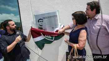 Fluminense inaugura placa em homenagem a Carlos Castilho - LANCE!
