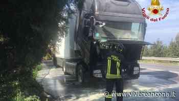 Falconara Marittima: Principio di incendio camion - Vivere Ancona