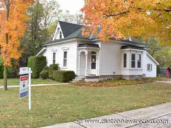 Acclaimed writer Alice Munro sells home, leaving Southwestern Ontario - clintonnewsrecord.com