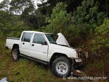 Homem morre em acidente entre carro e dois caminhões em Rio Negrinho | NSC Total - NSC Total