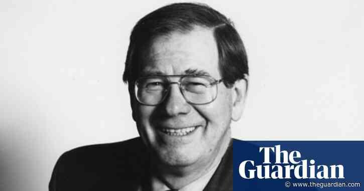 Sir Michael Lickiss obituary