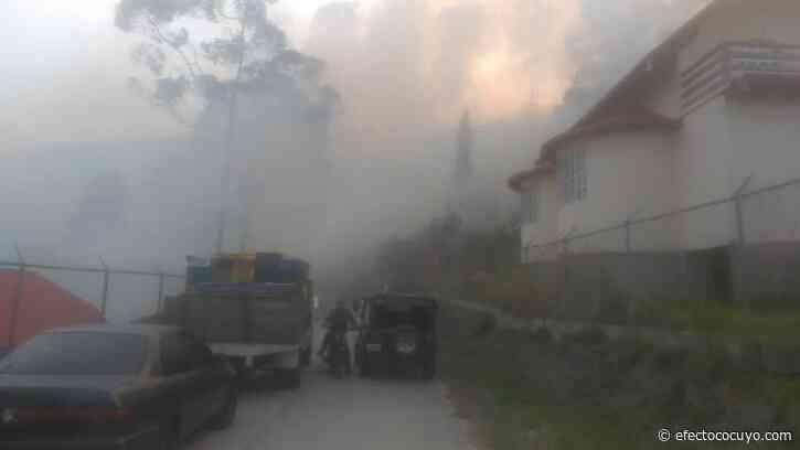 Incendio de gran magnitud se registra en la Colonia Tovar #6Mar - Efecto Cocuyo