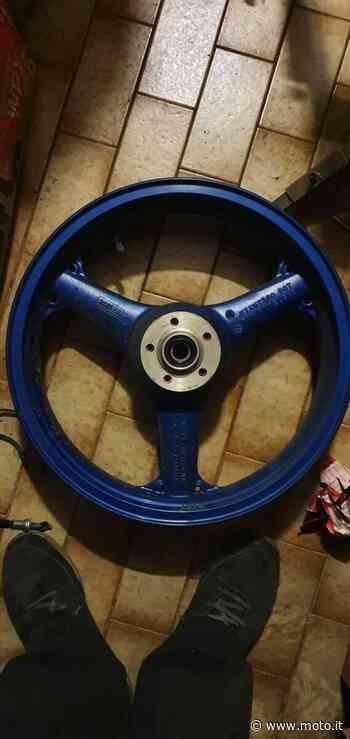 Vendo Cerchio anteriore ZX-9R Kawasaki a Varedo (codice 8020885) - Moto.it