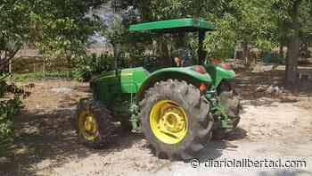Dijeron que eran de las AUC y se robaron tractor avaluado en $100 millones - Diario La Libertad
