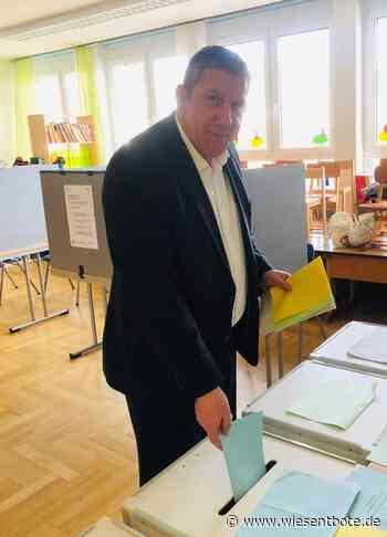 Strullendorf: MdB Andreas Schwarz bei der Stimmenabgabe - zieht er ins Landratsamt ein? - Der Neue Wiesentbote