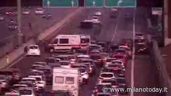 Grave incidente in autostrada A4, auto ribaltata: giovane 27enne rianimato sul posto - MilanoToday