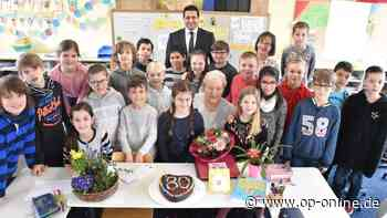 Heusenstamm: Adalbert-Stifter-Schule feiert mit Leseomi | Heusenstamm - op-online.de