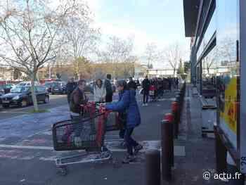 Yvelines. Coronavirus : personnels et clients respectent les consignes au supermarché de Montesson - actu.fr