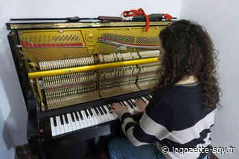 Un piano installé dans le hall de l'UVSQ - La Gazette de Saint-Quentin-en-Yvelines