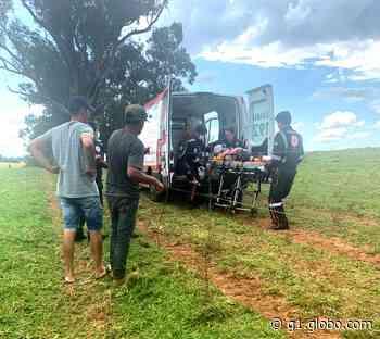 Homem é chifrado por touro no pescoço e no abdômen em Astorga - Globo.com