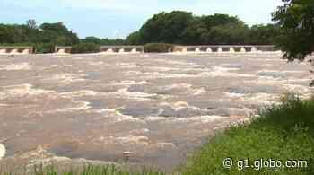 Prefeitura de Pirassununga proíbe entrada de ônibus e vans de turismo em Cachoeira de Emas - G1