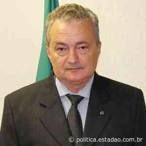 Câmara de Pirassununga cassa prefeito condenado por beijar mulheres à força - Política Estadão