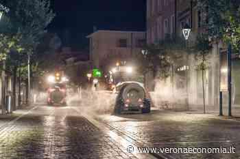 In corso, a San Bonifacio, Verona, la sanificazione delle strade, con mezzi agricoli. Coldiretti: dieci giovani imprenditori agricoli, impegnati, nelle strade della cittadina. - VeronaEconomia.it