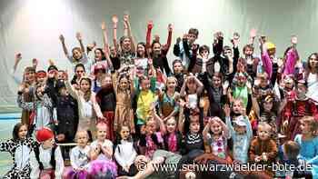 Dotternhausen: 50 Kinder toben beim Fasnetsturnen durch die Halle - Schwarzwälder Bote - Schwarzwälder Bote