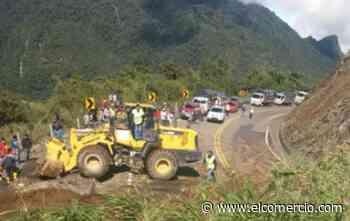 Un derrumbe obstaculiza la vía Latacunga-Pujilí-La Maná - El Comercio (Ecuador)