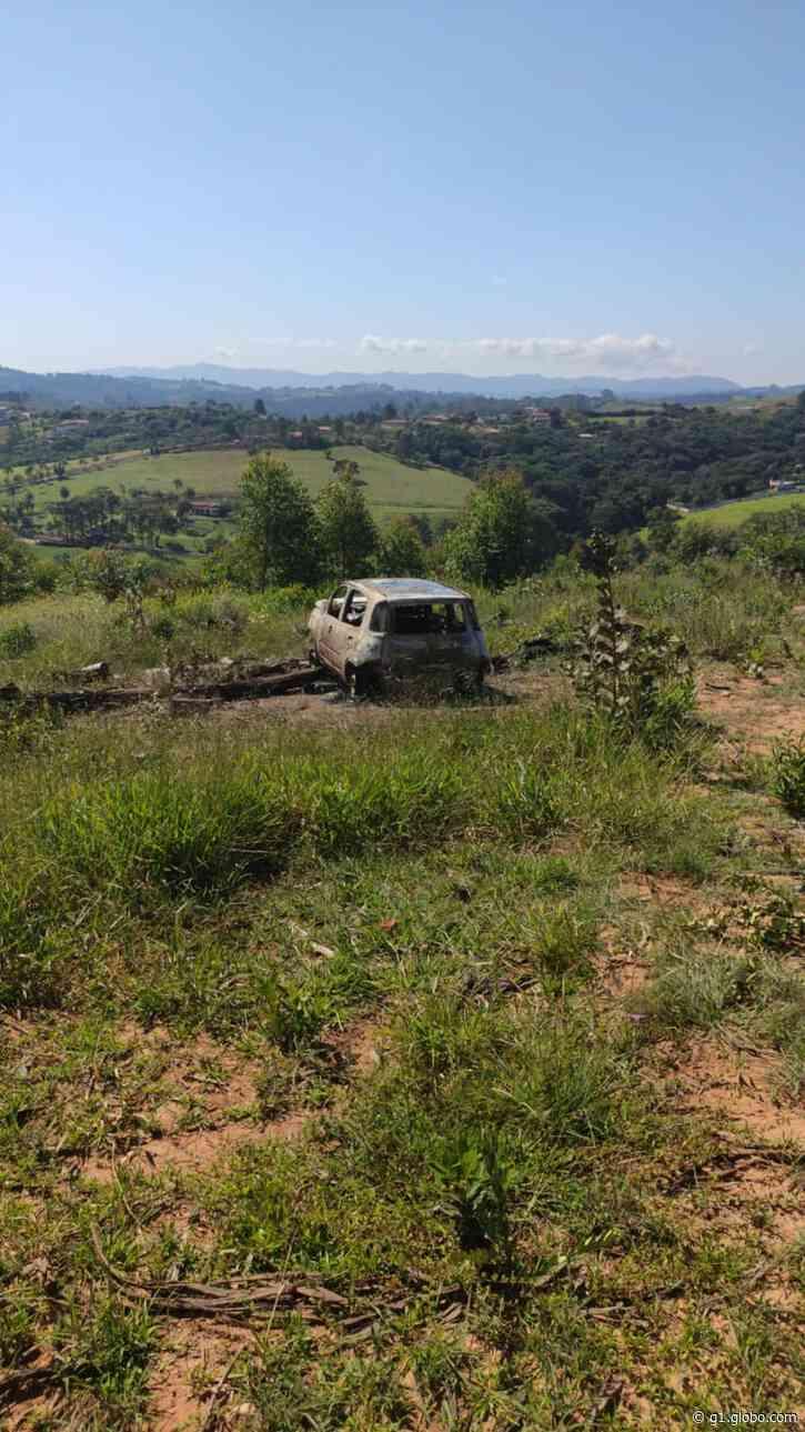 Três corpos são encontrados dentro de carro carbonizado em Jarinu - G1