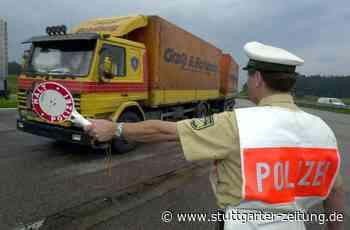 Kontrolle in Deizisau - 13 Lastwagen mit Mängeln unterwegs - Stuttgarter Zeitung
