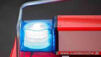 Autofahrer kommt bei Zusammenstoß mit Lkw ums Leben - Süddeutsche Zeitung