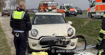 Zwischen Uevekoven und Wegberg kam es zu einem Autounfall - Aachener Zeitung