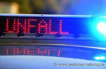 Auto prallt gegen einen Baum: 20-Jähriger schläft in Neckartailfingen am Steuer ein - esslinger-zeitung.de