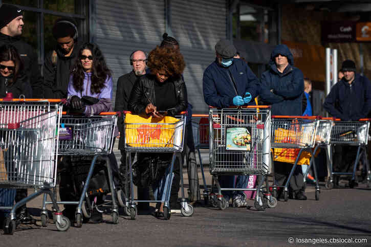 Coronavirus: Grocery Stores Temporarily Hike Wages Amid Panic Shopping