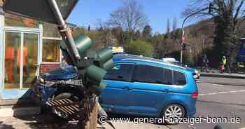 Unfall in Alfter: B56 in Richtung Ahrweg gesperrt - General-Anzeiger