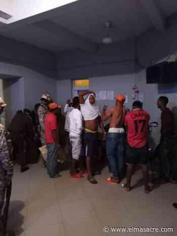Policía detiene a varios en Dajabón por violación a medida toque de queda - El Masacre